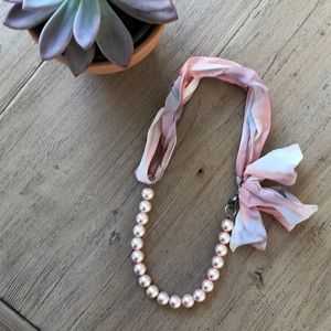 Jewelry - Pink pearl necklace with satin